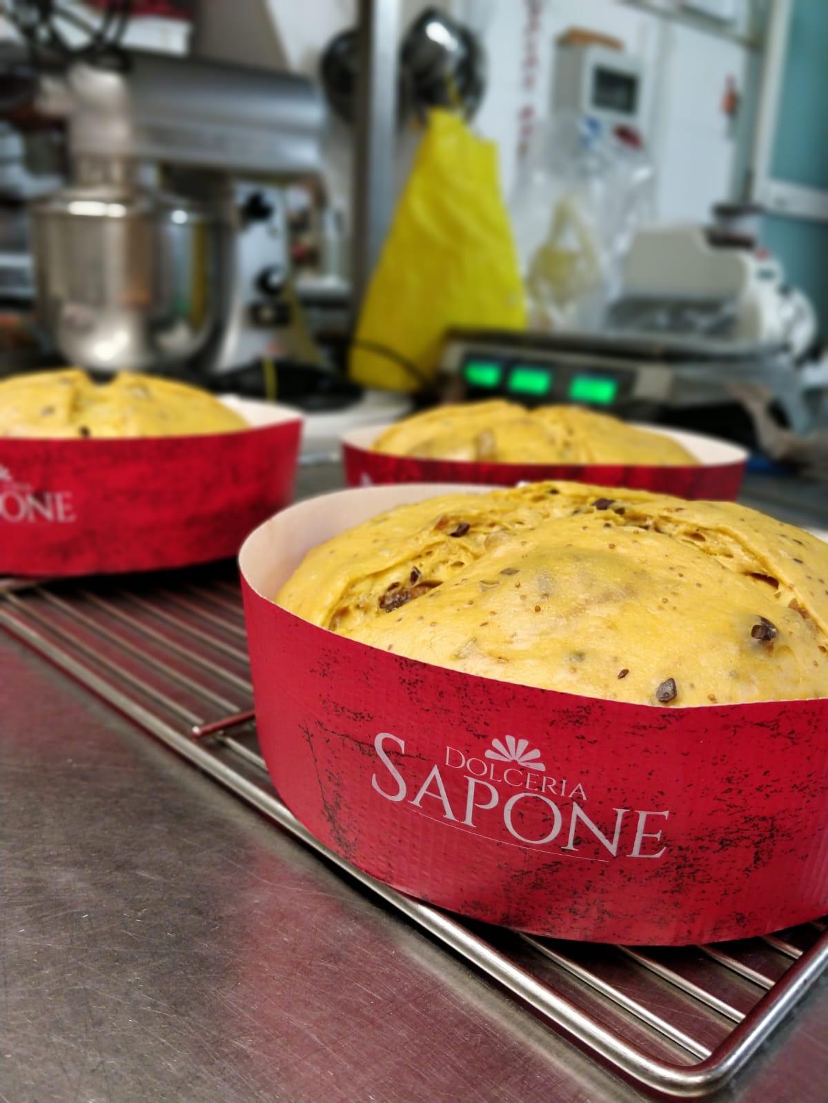Panettoni in produzione Dolceria Sapone Nuove