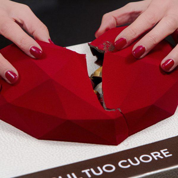 apri il tuo cuore dolceria sapone cuore aperto con mani